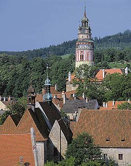 Český Krumlov, view of the Castle Tower and town from Havraní rock cliffs, foto: Libor Sváček
