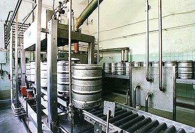 Eggenberg Brewery in Český Krumlov, filling the barrels on the line
