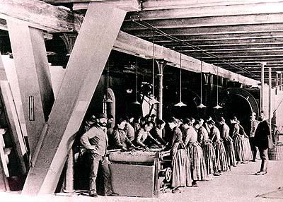 Workers in papermill Větřní, historical photo