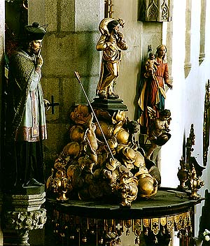 Church of St. Vitus in Český Krumlov, detail of decoration, wooden sculptures