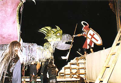Festival of the Five-petalled Rose in Český Krumlov 1998, Solstice ceremony on the Castle terraces, St. George fighting the dragon
