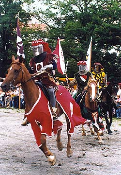 Festival of the Five-petalled Rose in Český Krumlov 1998, knights' tournament on hourses