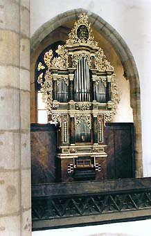 Church of St. Vitus in Český Krumlov, organ on the choir of the literary brotherhood 1716, overview