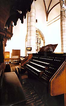 Church of St. Vitus in Český Krumlov, main organ, view onto keys