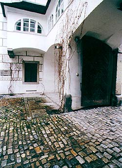 Široká no's.  70 and 71, courtyard
