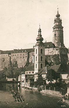 Church of St. Jošt in Český Krumlov - castle in the background, rafts on the Vltava in the foreground, historical photo, foto: Wolf